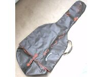 GUITAR . SOFT CARRYING CASE FOR A FLAMENCO ACOUSTIC GUITAR.