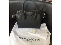 Black Givenchy Antigona bag - Gtained leather small size