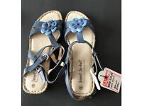 Josef Siebel sandals