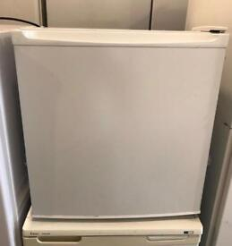Table Size Amica Fridge Freezer (Fully Working & 3 Month Warranty)