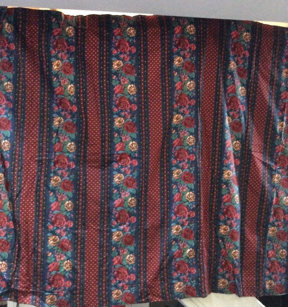 Curtains, a pair of flowered design