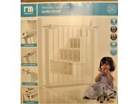 mothercare SAFETY GATE, NEW IN BOX ,LINDAM OPENING SAFETY GATE .