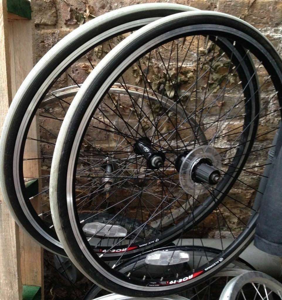 """26 inch Alexrims ACE 19 wheels front and rear with tyresin Kennington, LondonGumtree - 26 inch Alexrims ACE 19 wheels front and rear with tyres Never fitted in a bike. New tyres also. Some storage marks 559x17 6061H T6 FH RM30 HUB for Hub for Shimano Sram 26"""", 559X17, 490g, ERD 535 Pin joint Silver, Black / CSW / SSE / Indicator..."""