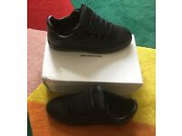 Black new sneakers mens size 9 Balenciaga trainers low tops