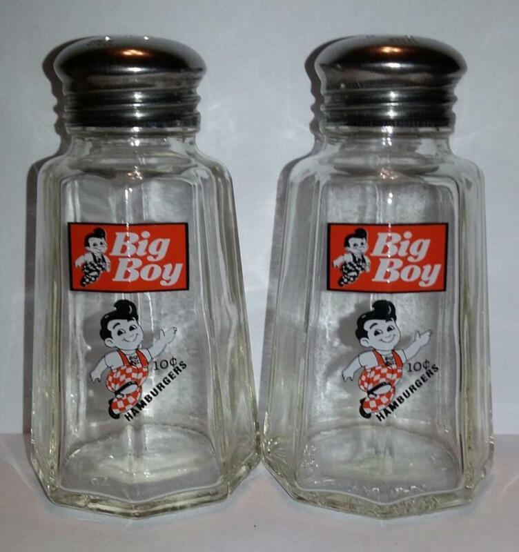 Set Big Boy Salt and Pepper Shakers