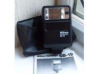 Nikon SB 19 Speedlight flash