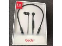 Beats x black wireless Bluetooth Earphones perfect for Christmas gift!