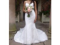 A Stunning Size 8/10 Ivory Fishtail Pearl and Lace Wedding Dress