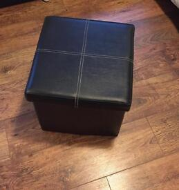 SMALL OTTOMAN STORAGE BOX