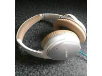BOSE QuietComfort QC25 Headphones