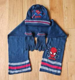 Spiderman Hat Gloves & Scarf Set 3-6 Years £4 Smoke&Pet Free Home Collect LU1 5RE