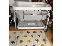 Chicco cuddle & bubble baby bath and changing table