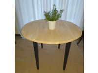 Lovely Drop Leaf Dining / Breakfast / Occasional Table
