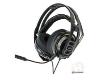 Plantronics RIG 400 gaming headset used with box