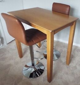 Oak effect solid Table with 2 Stools