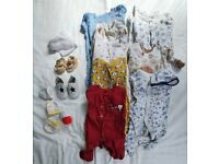 Bundle of boy clothes 0-3mths