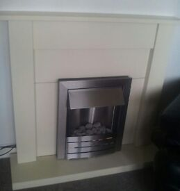 BEAUTIFUL FIRE SURROUND WITH ELECTRIC FIRE EXCELLENT CONDITION