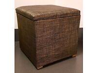 Ottoman seat + storage