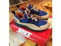 Nike Air Light Huaraches Size 7