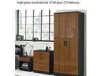 High gloss wardrobe set