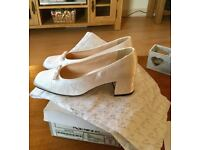 Beautiful size 5 white Bridal/bridesmaid/flower girl court shoes