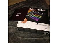 MASCHINE production studio MK2 plus stand