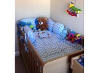 Delux cotbed bedding set blue & white