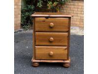 Solid wood bedside cabinet
