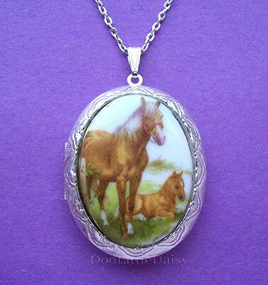 Porcelain PALOMINO HORSE & COLT CAMEO Costume Jewelry Locket Pendant Necklace