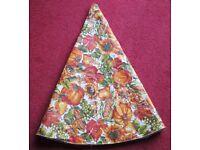 "TABLECLOTH - 60"" diameter, Autumn/Thanksgiving design, orange, fruits & flowers, wipe clean, vgc"