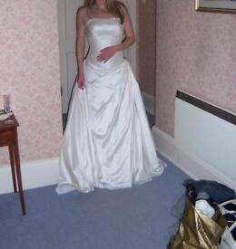Winter Wedding Dress And Accessories