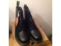 Dr doc martens 1460 black smooth 8 eye boots, size 10 UK, official brand new in box