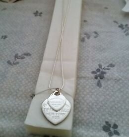 Gorgeous Tiffany necklace (Perfect Christmas present)