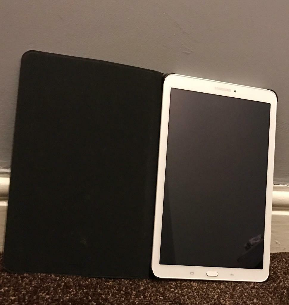 Samsung Galaxy Tab E SM T560WHITE 8GB, Wi Fi, 9.6inBARGAINin Bradford, West YorkshireGumtree - Samsung Galaxy Tab E SM T560 8GB, Wi Fi, 9.6in White FREE CASE!!!Your looking at a samsung galaxy tab E its had minimum useage but is in very good condition and looks like new. No scratches to the screen or side or back. Looks as good as new. If you...