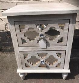 Shabby Chic & Mirrored Ornate Side Table / Bedside Table