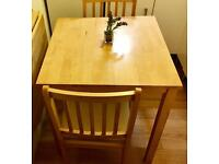 Small dining table & 2 chairs
