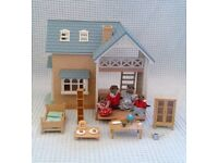 Sylvanian Family BlueBell Cottage/Riverside Lodge & Weasel Family. Selling Multiple Sets.