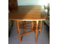 Oak Cherry Dinning Table Folding Used Good Condition