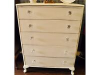 Gorgeous Five Drawer Chest in Antique White - WE CAN DELIVER