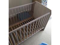 Baby / toddler crib
