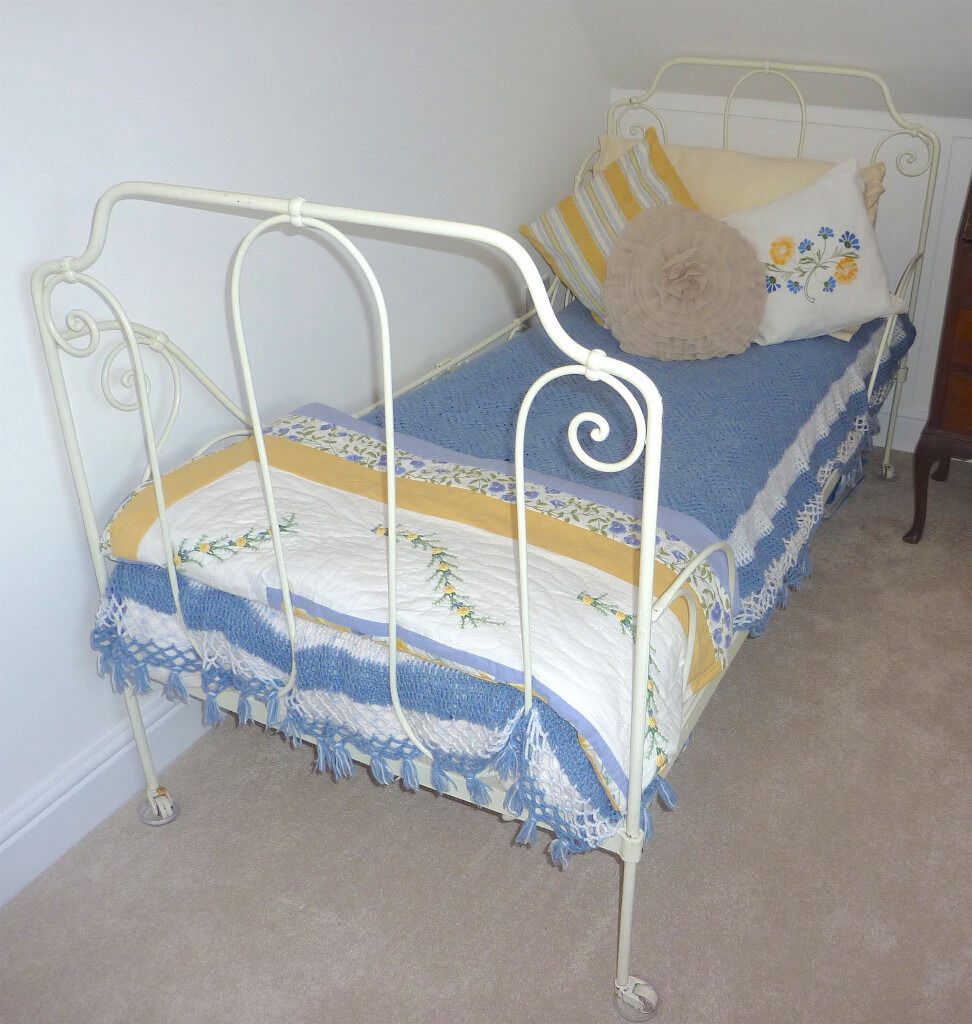 Antique wrought iron single bed (childs). Very pretty. Traditional original French bed from France.