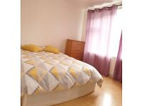 Large double room to rent in Stratford... bills are included!!!