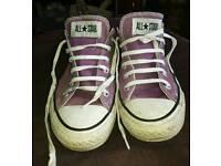 Ladies size 6 converse originals