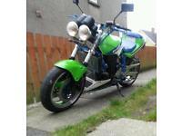 Kawasaki GPX750 streetfighter
