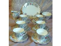 Beautiful Imperial China 22 Carat Gold 19 Piece Tea Set in excellent condition.