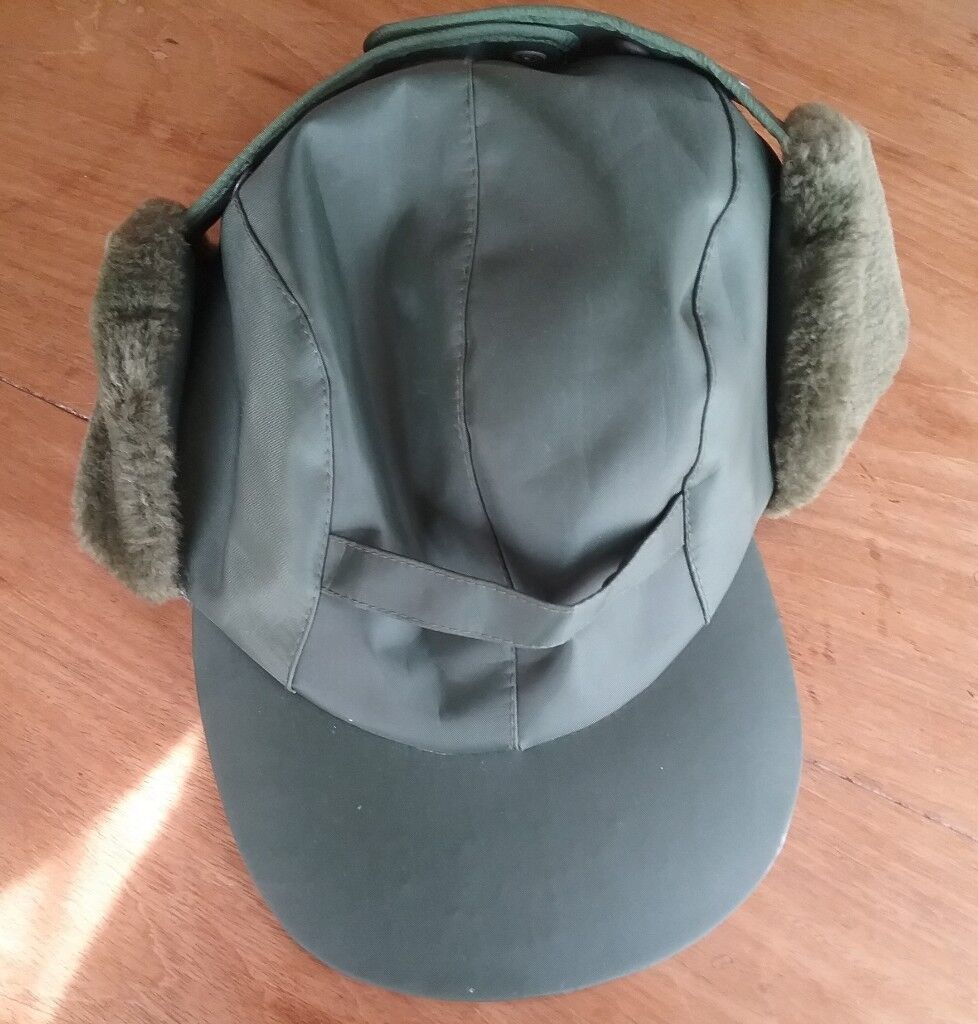 New Mens Green Waterproof Trapper Hat with Ear Flaps  bd586844828