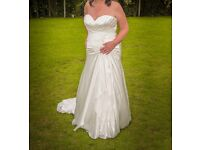 ALLURE weddings dress size 15 to 20