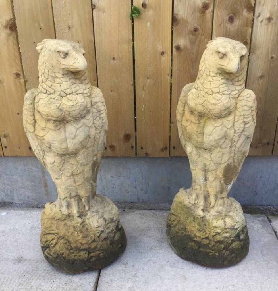 Pair stone eagles