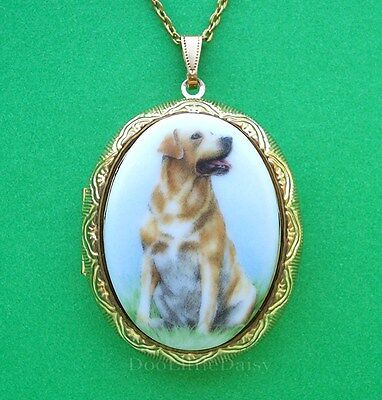 Porcelain GOLDEN YELLOW LAB DOG CAMEO Costume Jewelry Locket Pendant Necklace