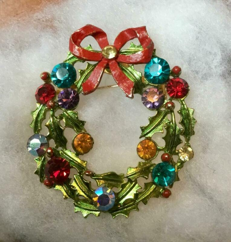 Vintage Signed WEISS Christmas WREATH Pin ~Brooch~Rhinestones